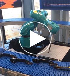 Robot building phone >